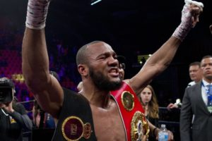 Williams takes Hurd's 154-pound belts by unanimous decision