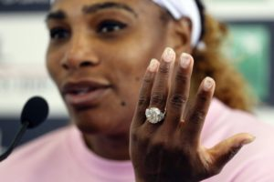 Serena Williams withdraws from Rome with injured knee